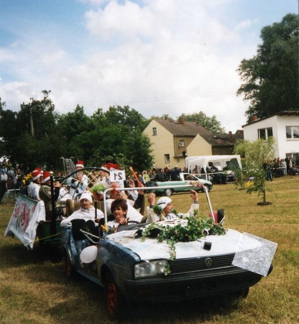 Galerie - Kategorie  19.05.2001 - Bettenrennen in Fredersdorf - Bild ... e8db26629cc9